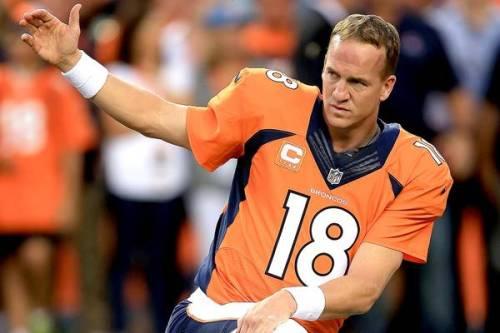 101013-NFL-LACES-OUT-BRONCOS-PEYTON-MANNING-DC-GI_2013101017404948_600_400.JPG